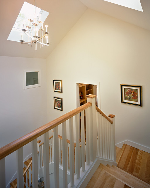 2006 showcase traditional staircase