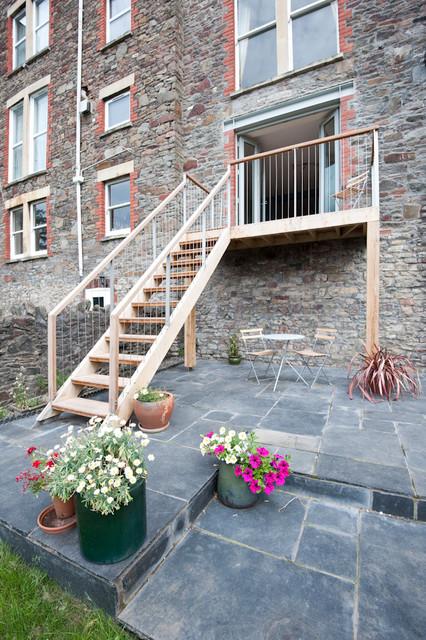 35TR contemporary-staircase