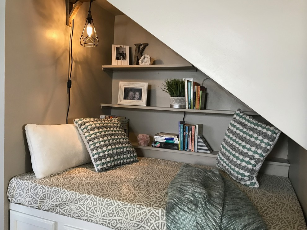 Staircase - small eclectic staircase idea in Other