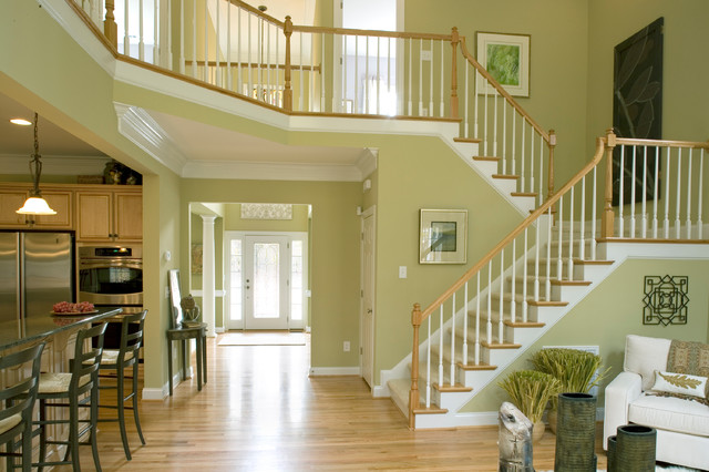 A Niblock Home traditional-staircase