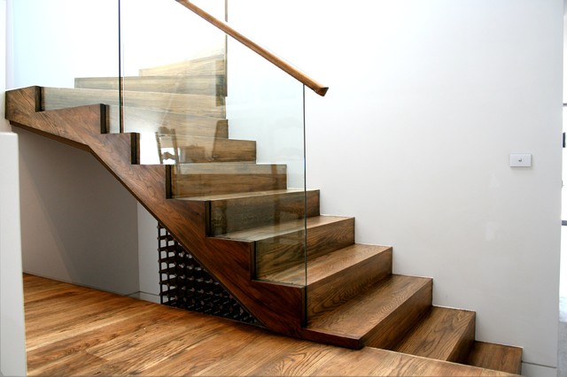 American Oak Stair With Cut Strings And Insert Glass