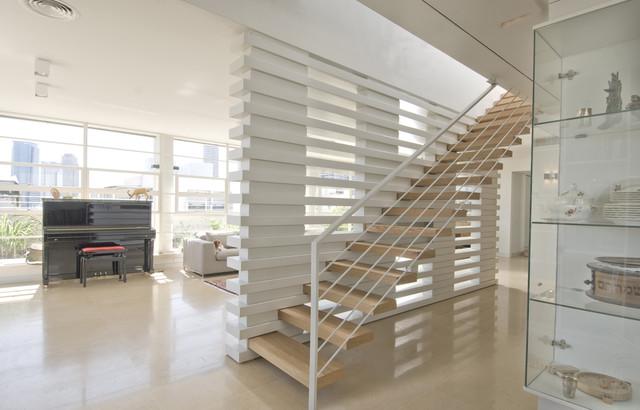 Amitzi Architects modern-staircase