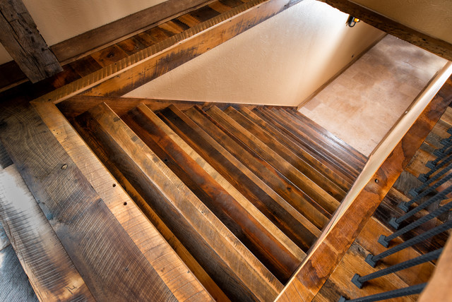 Merveilleux Antique Historic Plank Flooring   Barn Loft Rustic Staircase