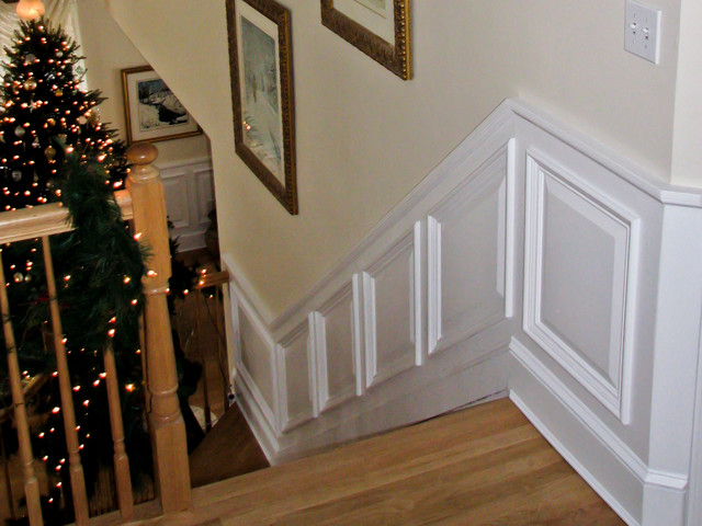 Arbor Field Manor Raised Panel Wainscoting Traditional