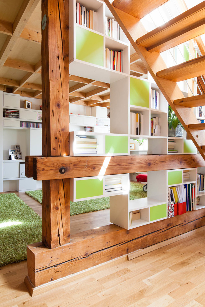 Atypical furniture in a loft apartment - Contemporary ...