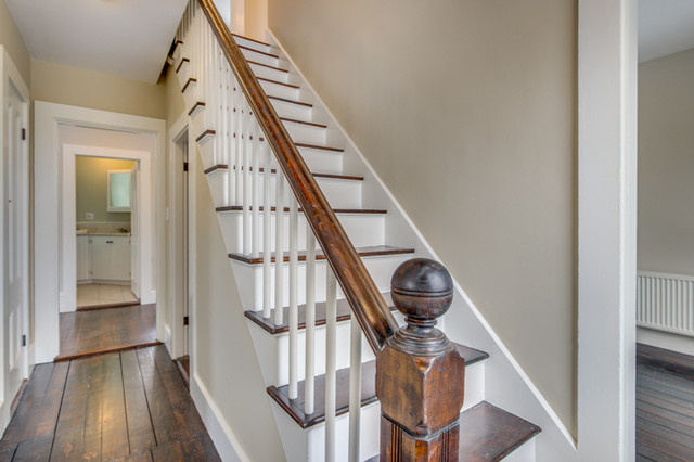 Superieur Design Ideas For A Medium Sized Victorian Wood Straight Staircase In Boston  With Painted Wood Risers