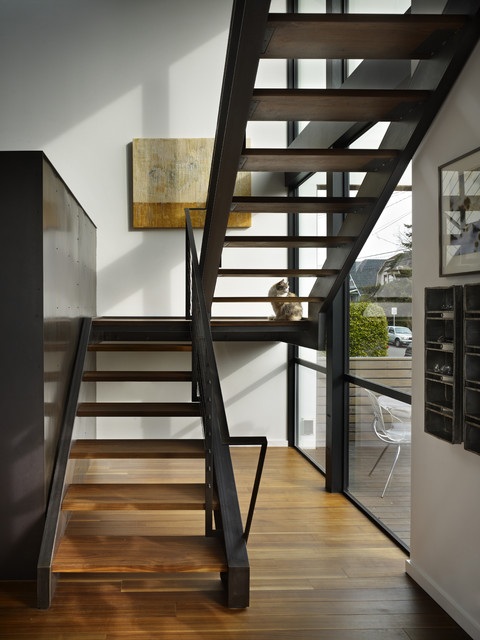 Beet Residence modern-staircase