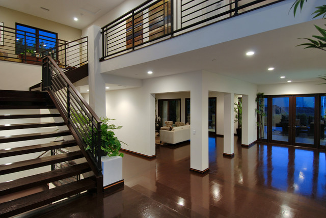 Inspiration for a modern staircase remodel in Los Angeles
