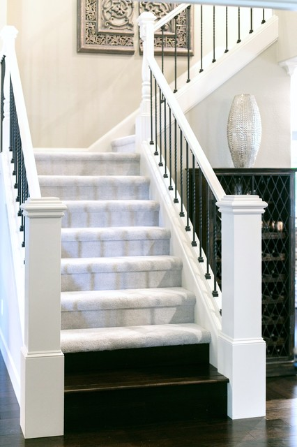 Example of a transitional staircase design in Portland