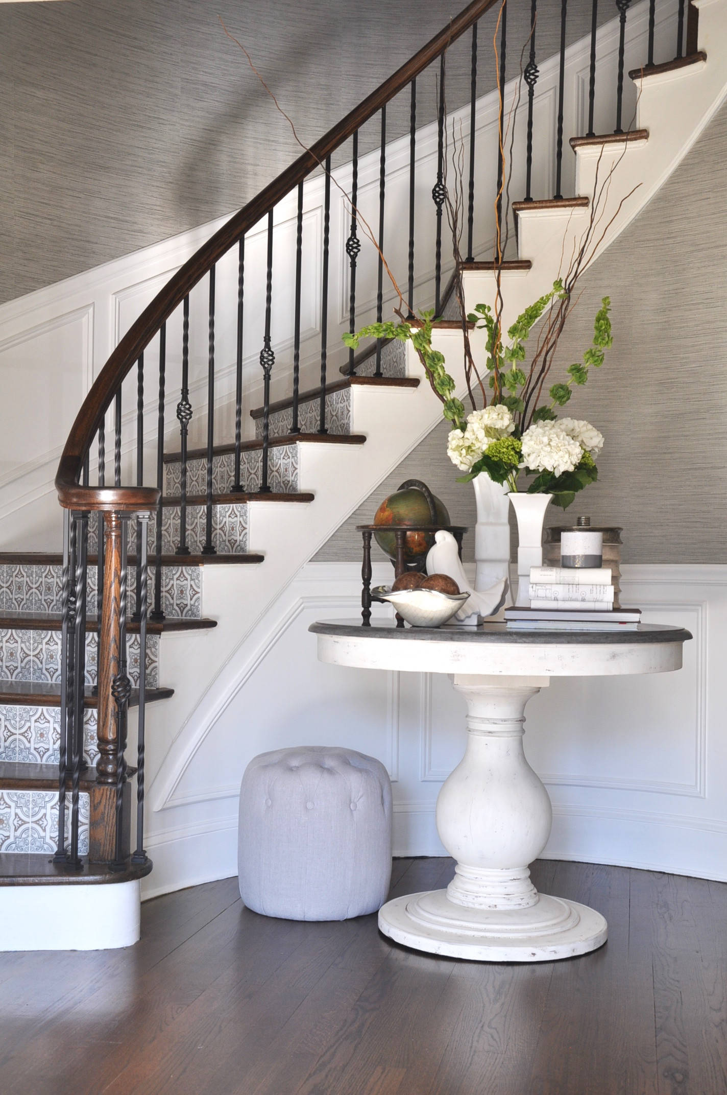 Picture of: 75 Beautiful Curved Staircase Pictures Ideas November 2020 Houzz