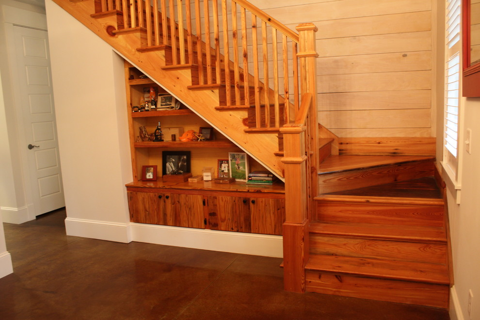 Inspiration for a mid-sized timeless wooden l-shaped wood railing staircase remodel in Atlanta