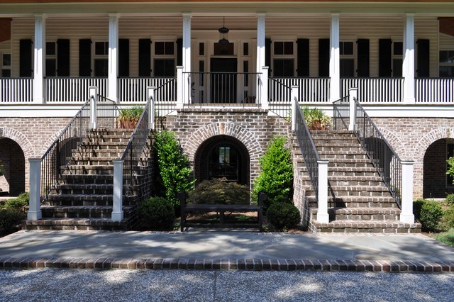 Bluff Plantation traditional staircase