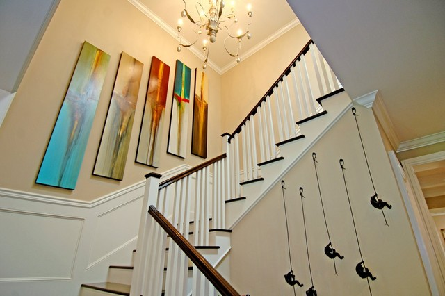 Brentwood Sophisticated traditional-staircase