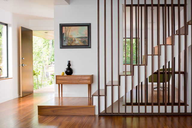 contemporary staircase by Floisand Studio