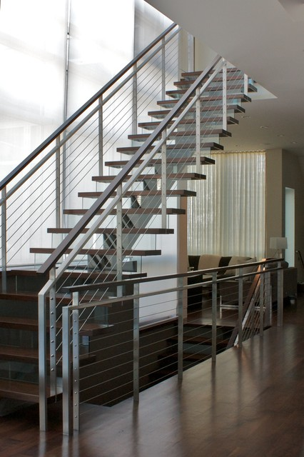 Example Of A Large Minimalist Wooden Straight Staircase Design In Chicago