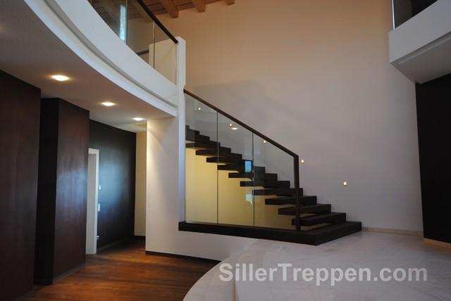 Cantilevered staircase villa italy minimalistisch treppen