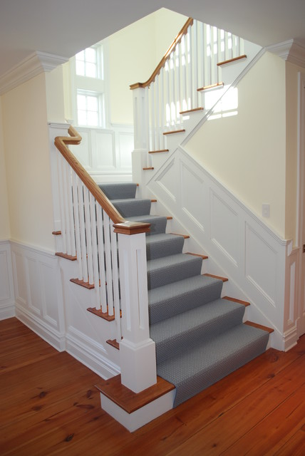 Centerport traditional-staircase