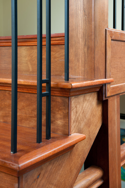 Exceptionnel Inspiration For A Craftsman Wooden Staircase Remodel In Calgary