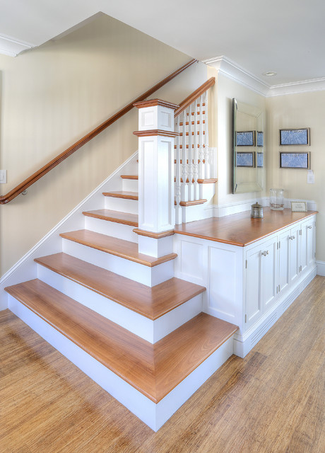 Chimney Corner Cottage Beach Style Staircase