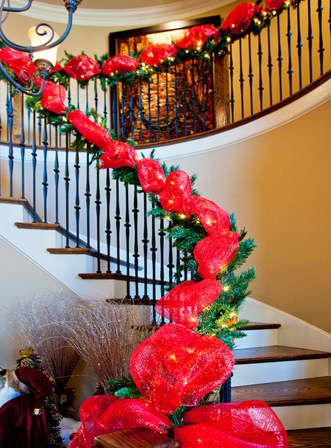 Christmas staircase decorations – interior design decorating