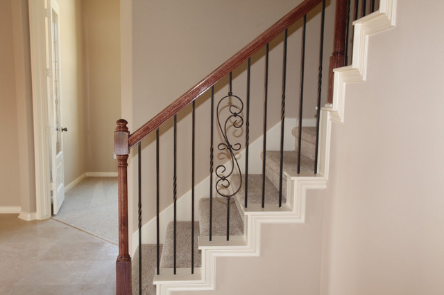 CL-17723 Eavesdown Ct traditional-staircase