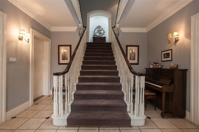 Classical neo georgian country house with coach house for Georgian staircase design
