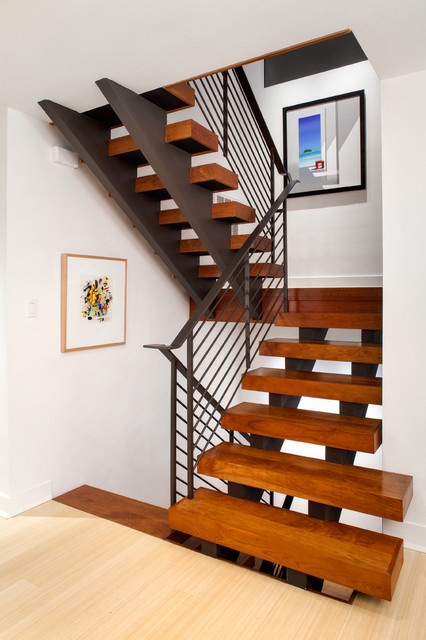 Clean Amp Comfy Contemporary Staircase Austin By Cg