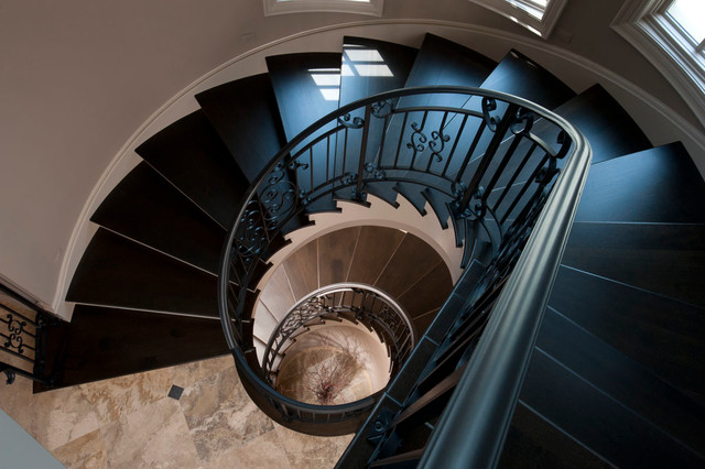 commerce traditional-staircase