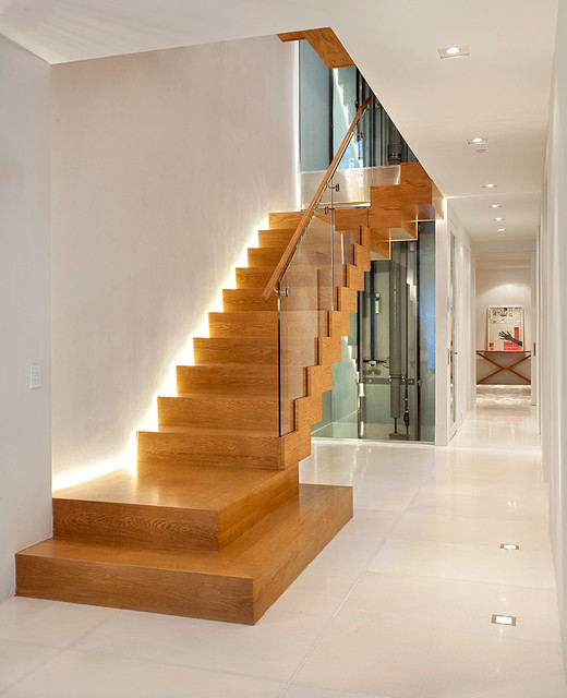 Charmant Contemporary Staircase