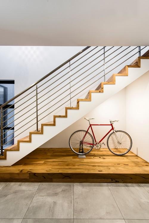 【Houzz】スポーツ用自転車を家の中に収納・保管する5つのアイデア 3番目の画像