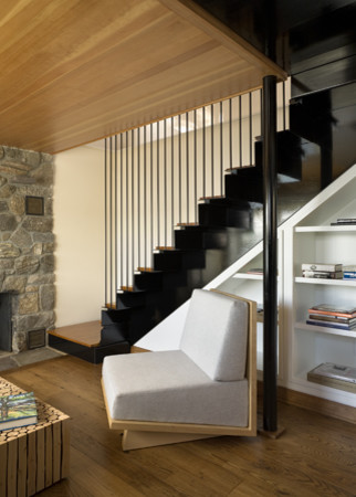 Cottage Staircase contemporary staircase