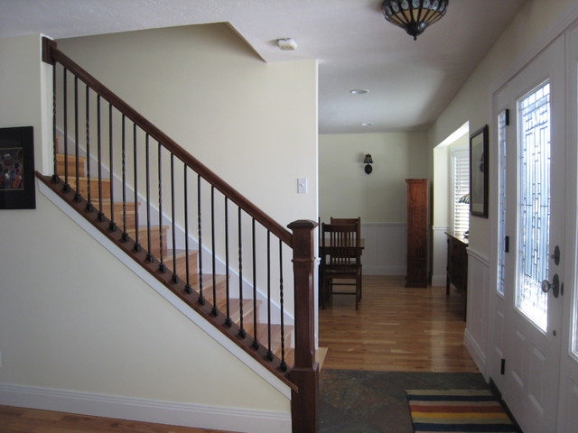 Cottonwood Heights, Salt Lake City, Utah traditional-staircase