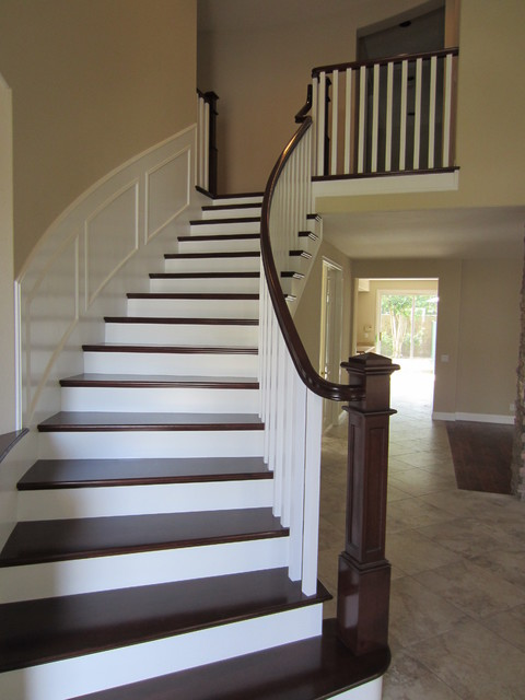 Craftsman Paint And Stain With Wainscoting Craftsman