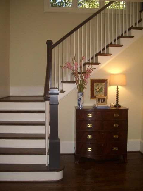 Creech Custom Builders traditional-staircase