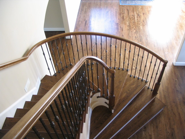 Great Curved Handrail Traditional Staircase