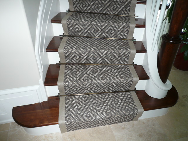 Curving Stair Runner Traditional Staircase