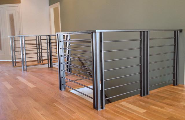 Custom Modern Railings   Metal Finish Modern Staircase