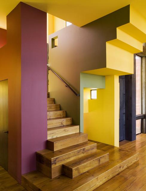 Dos Iguanas Residence contemporary-staircase