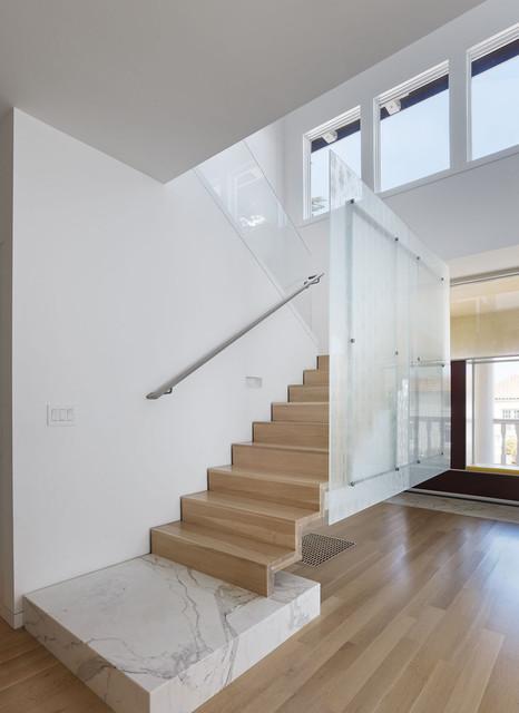 El Camino Residence Cantilever Steel Stair Modern