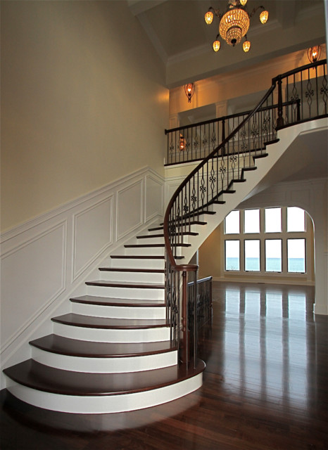 Elegant Curved Stairs Traditional Staircase
