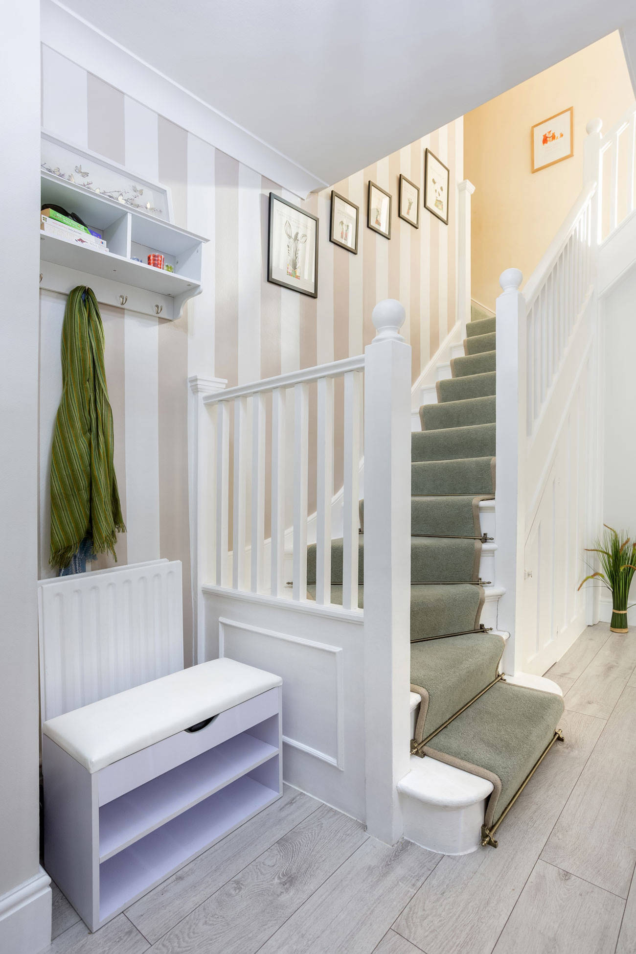 75 Beautiful Painted Staircase Pictures Ideas March 2021 Houzz
