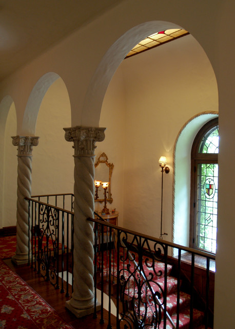 Traditional Foyer Uk : Foyers traditional staircase cleveland by lobalzo