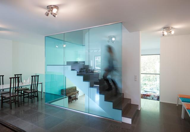 Garde-corps en verre feuilleté trempé Vanceva Blue - Contemporary ...
