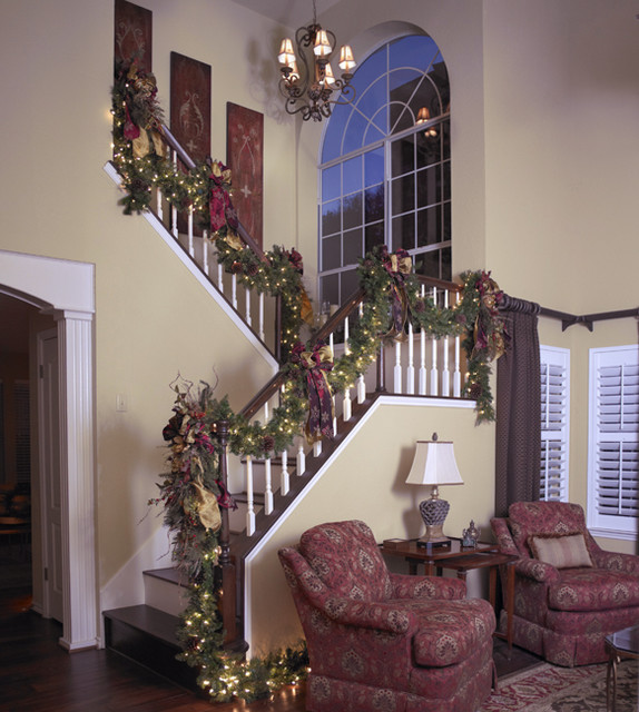 Interior Home Decoration Indoor Stairs Design Pictures: Georgetown Traditional Christmas