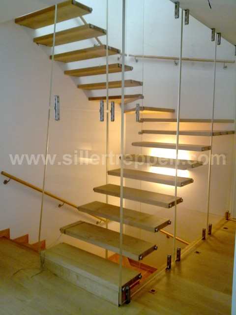 Elegant Glass/acrylic Stair With Wood Steps Modern Staircase