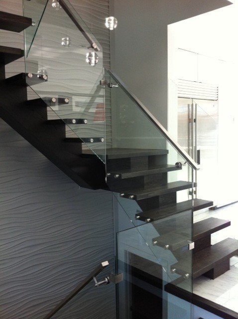 Glass & standoff system modern-staircase