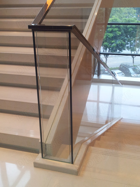 Glass stair railing modern staircase other metro for Modern glass railing