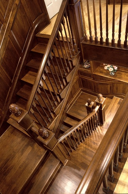 Great Falls, Va Estate traditional-staircase