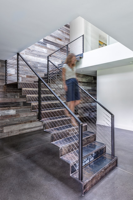 Staircase - contemporary metal l-shaped staircase idea in Charleston with metal risers