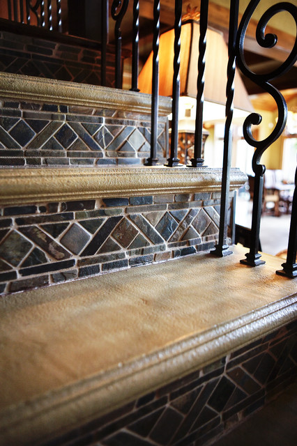 Highland's Creek traditional-staircase